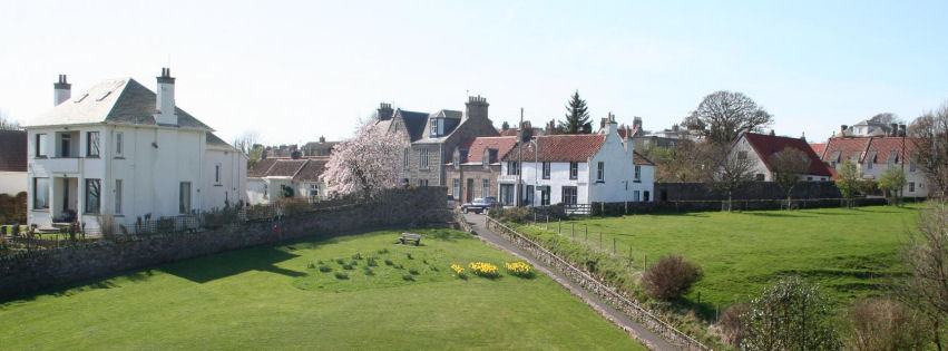 April holidays by the sea in Crail