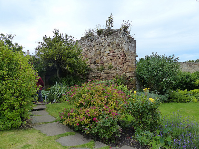 Small Gardens Crail