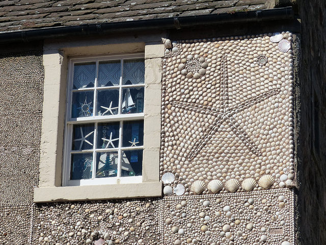 Close-up of the Shell House, Anstruther