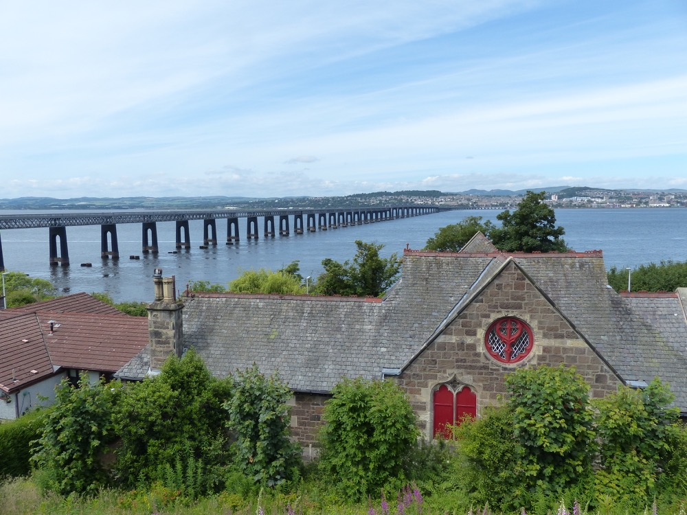 Walk to the Fife Coastal Path Tayport to Balmerino