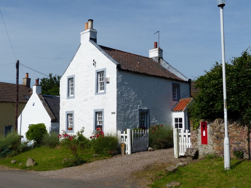 Walk the Fife Coastal Path Tayport to Balmerino