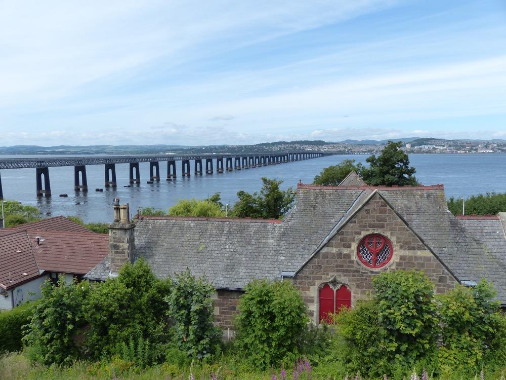 Walk to the Fife Coastal Path Tayport to Balmerino
